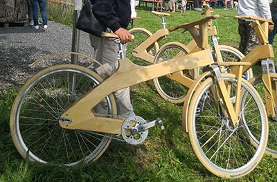 Bicycle made of paulownia wood